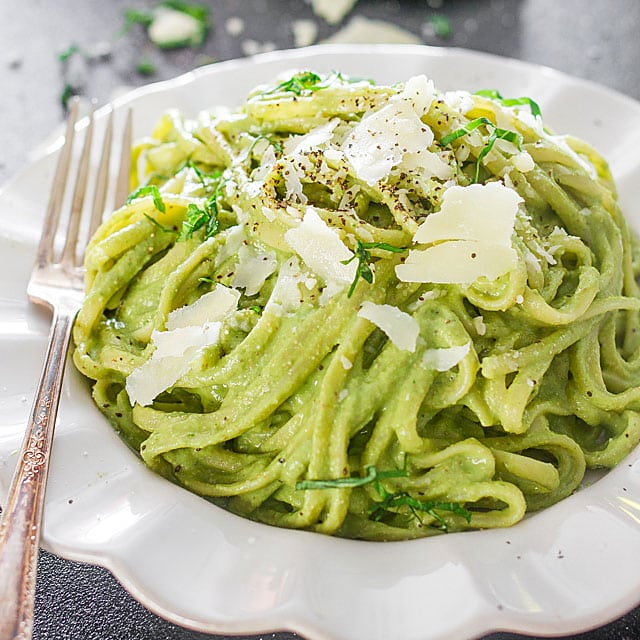 Avokádókrémes spagetti