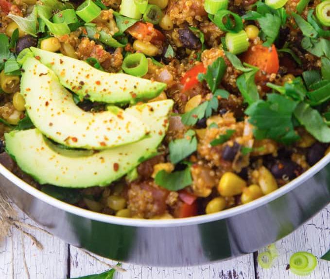 Serpenyős quinoa mexikói módra