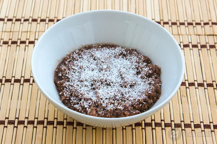Csokis-kókuszos zabkása chia maggal