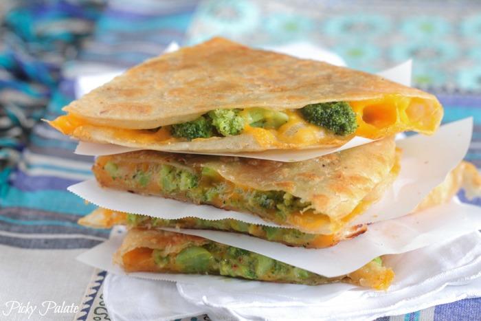 Sajtos-brokkolis quesadilla