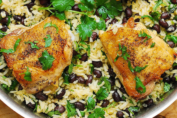 Babos-rizses csirkeegytál