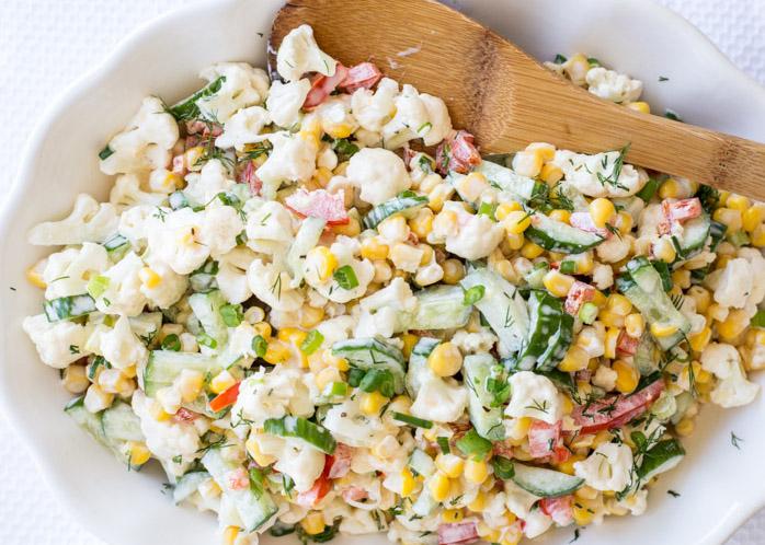 Kukoricás-uborkás karfiolsaláta