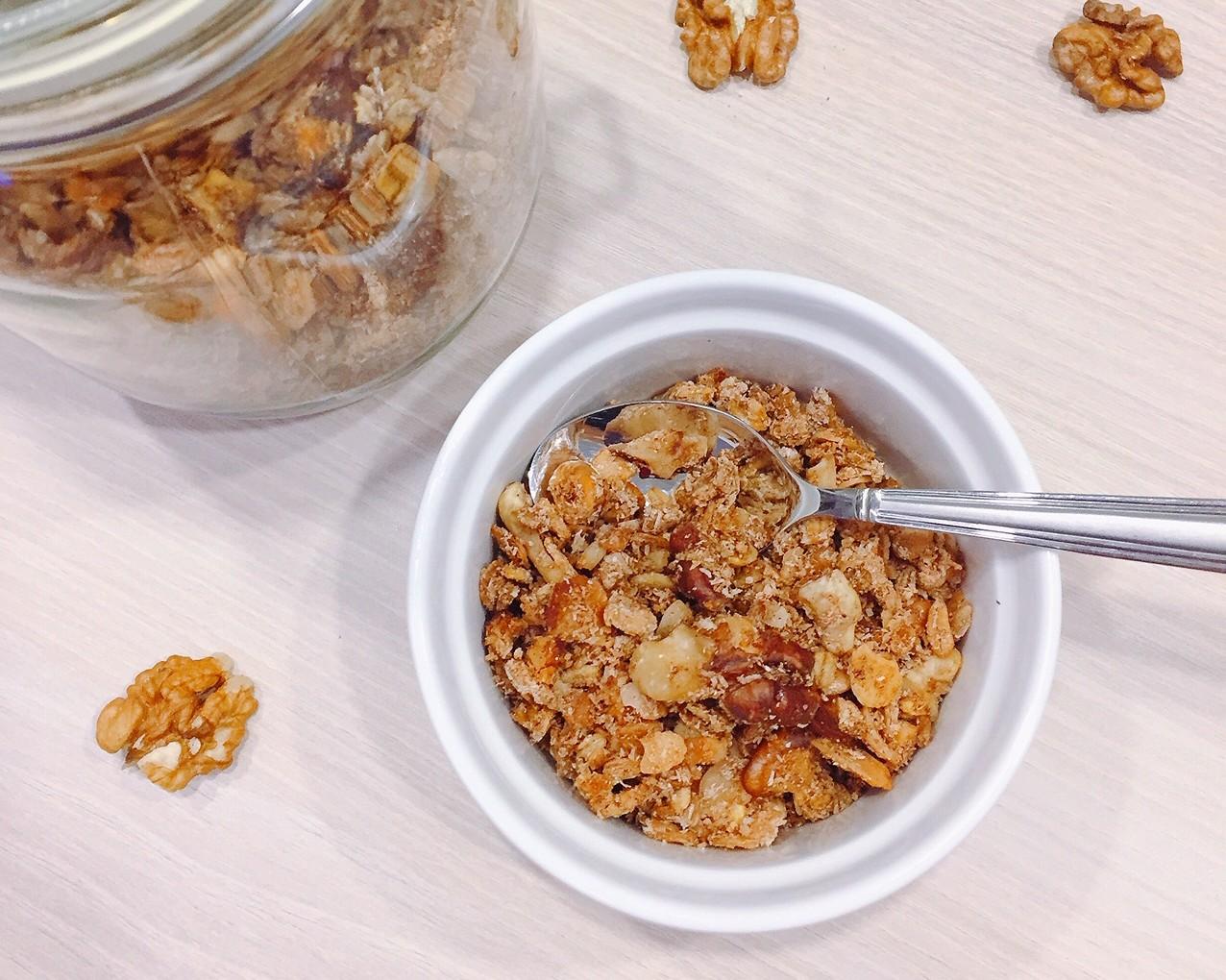 Cukormentes, olajmentes granola házilag