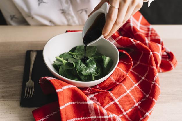 5 fűszernövény, amitől finomabb lesz a salátád